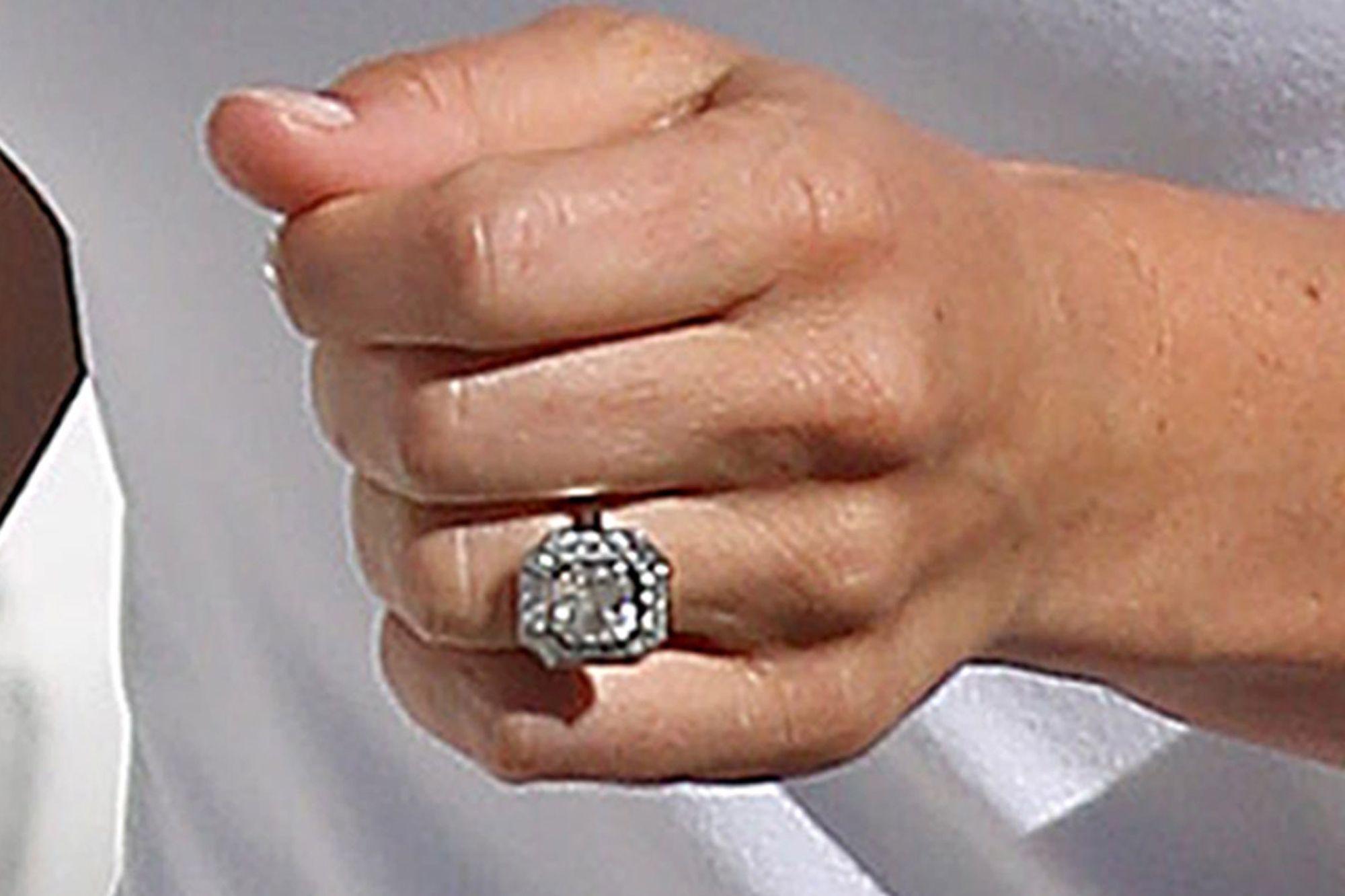Extrêmement Le diamant taille Assher de Pippa Middleton, un classique intemporel EM36