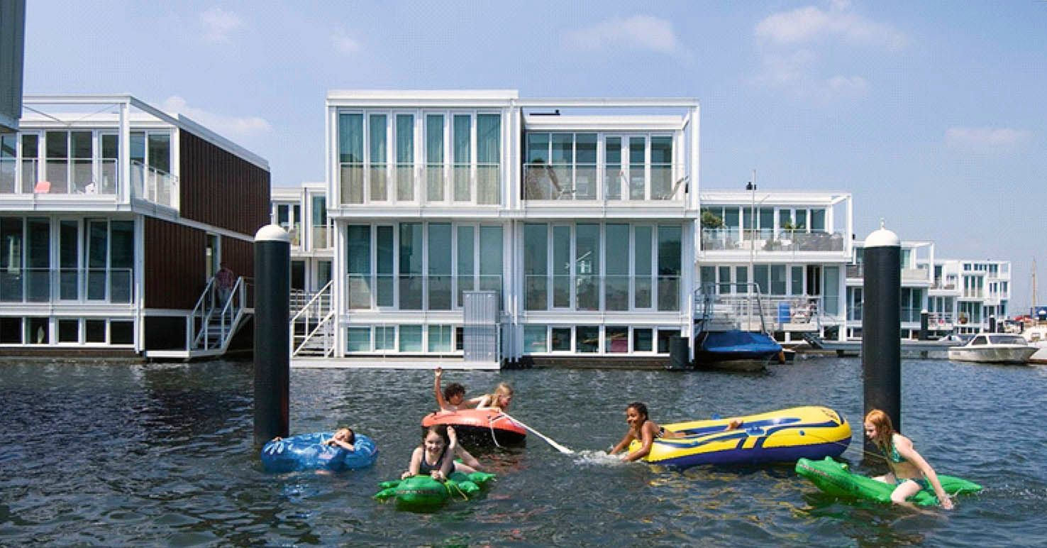 1000+ images about Boat house on Pinterest  Houseboats, Floating ...