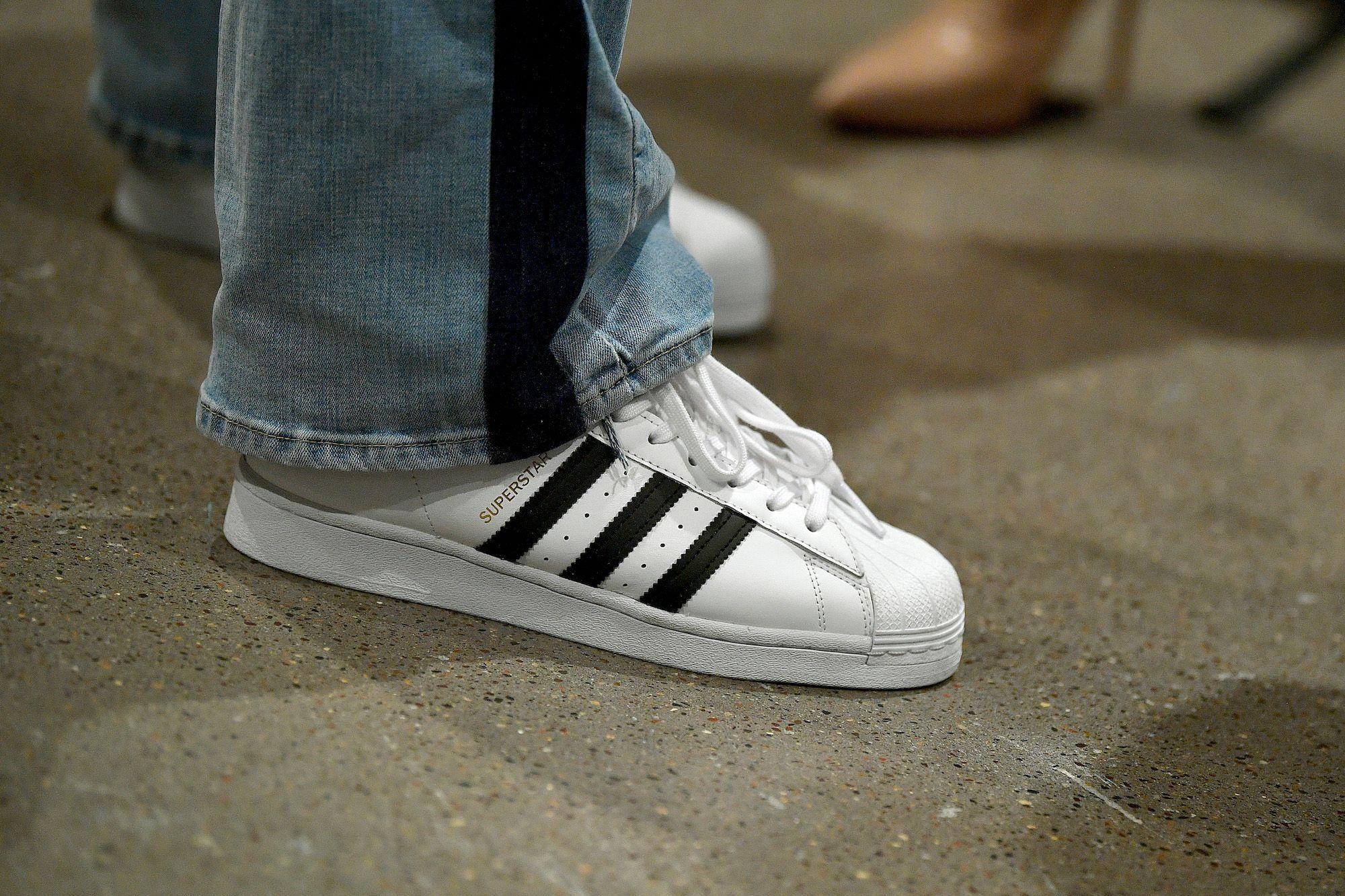 Coronavirus : les ventes d'Adidas chutent de 85% en Chine