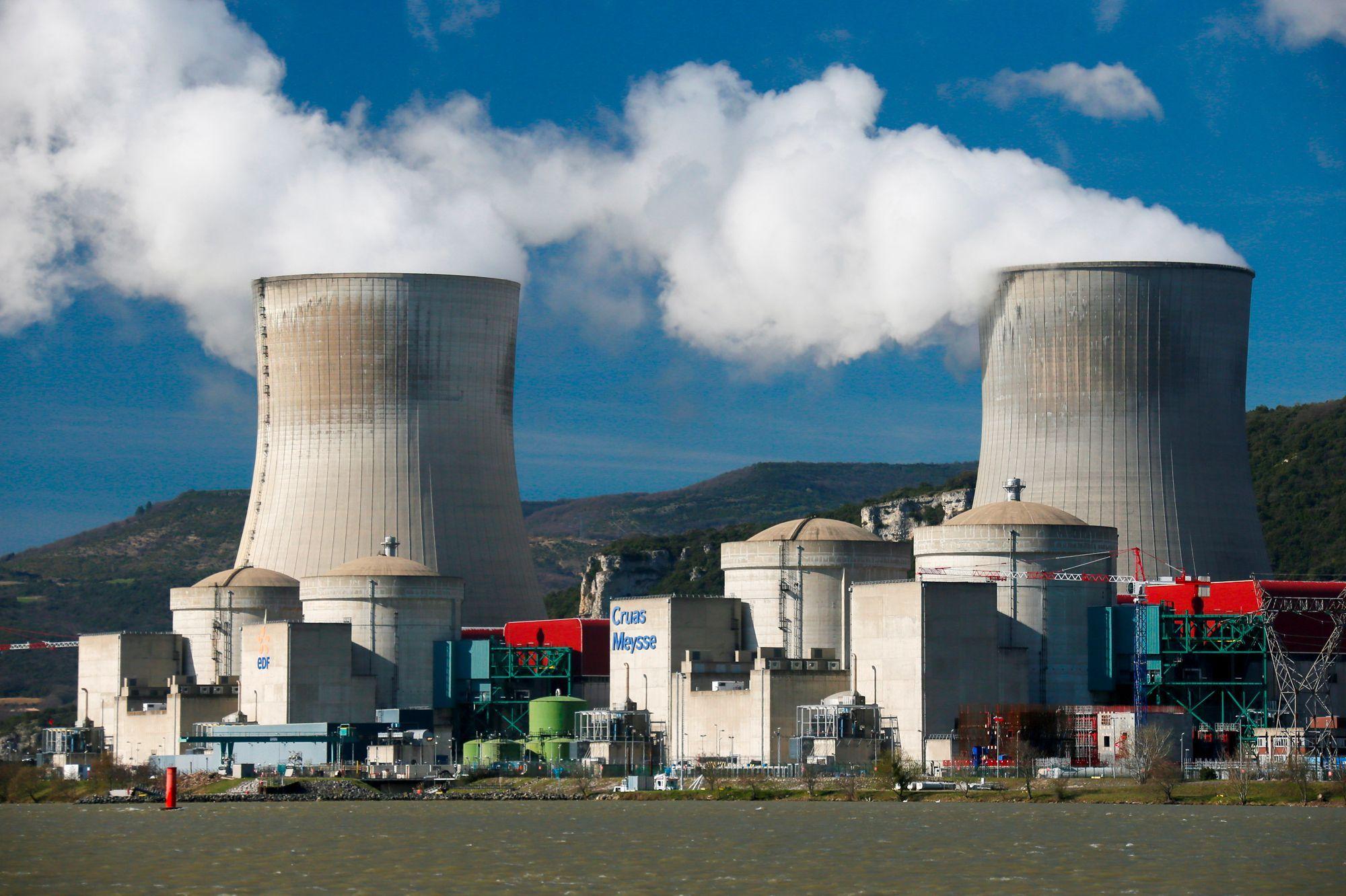 Après le séisme, les réacteurs de la centrale nucléaire de Cruas à l'arrêt