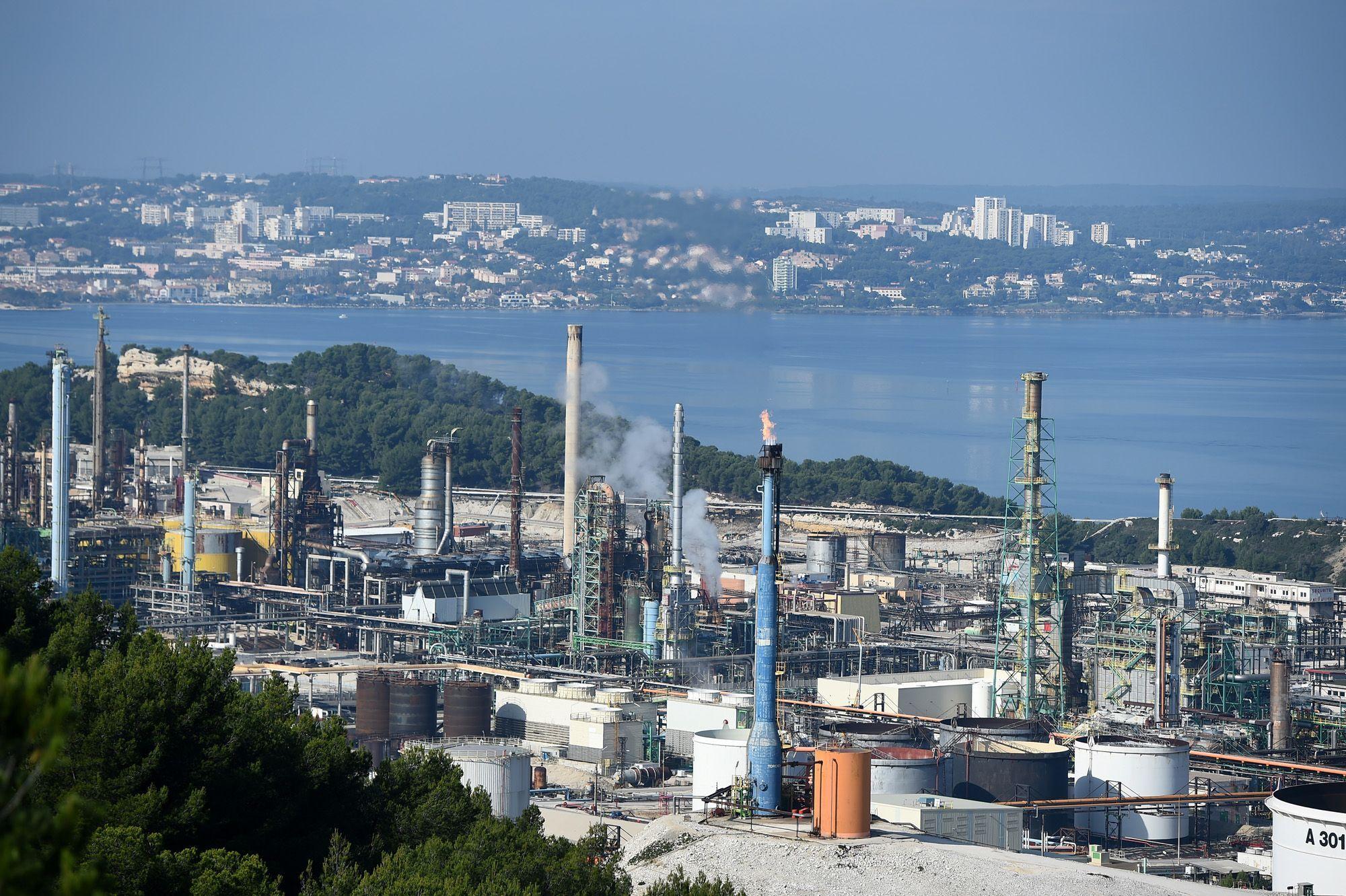 Greenpeace bloque la bioraffinerie de Total à La Mède pour lutter contre l'huile de palme