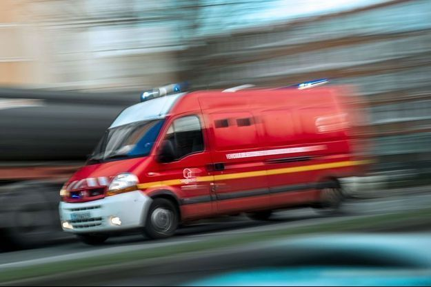 Neuf blessés légers dans une collision entre deux cars scolaires dans le Doubs