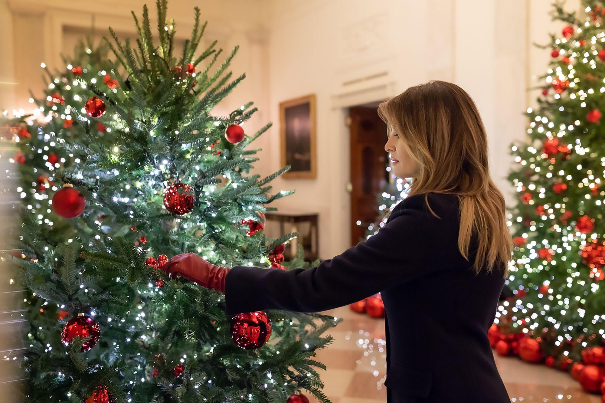 Melania Trump Dévoile Les Décorations De Noël De La Maison Blanche