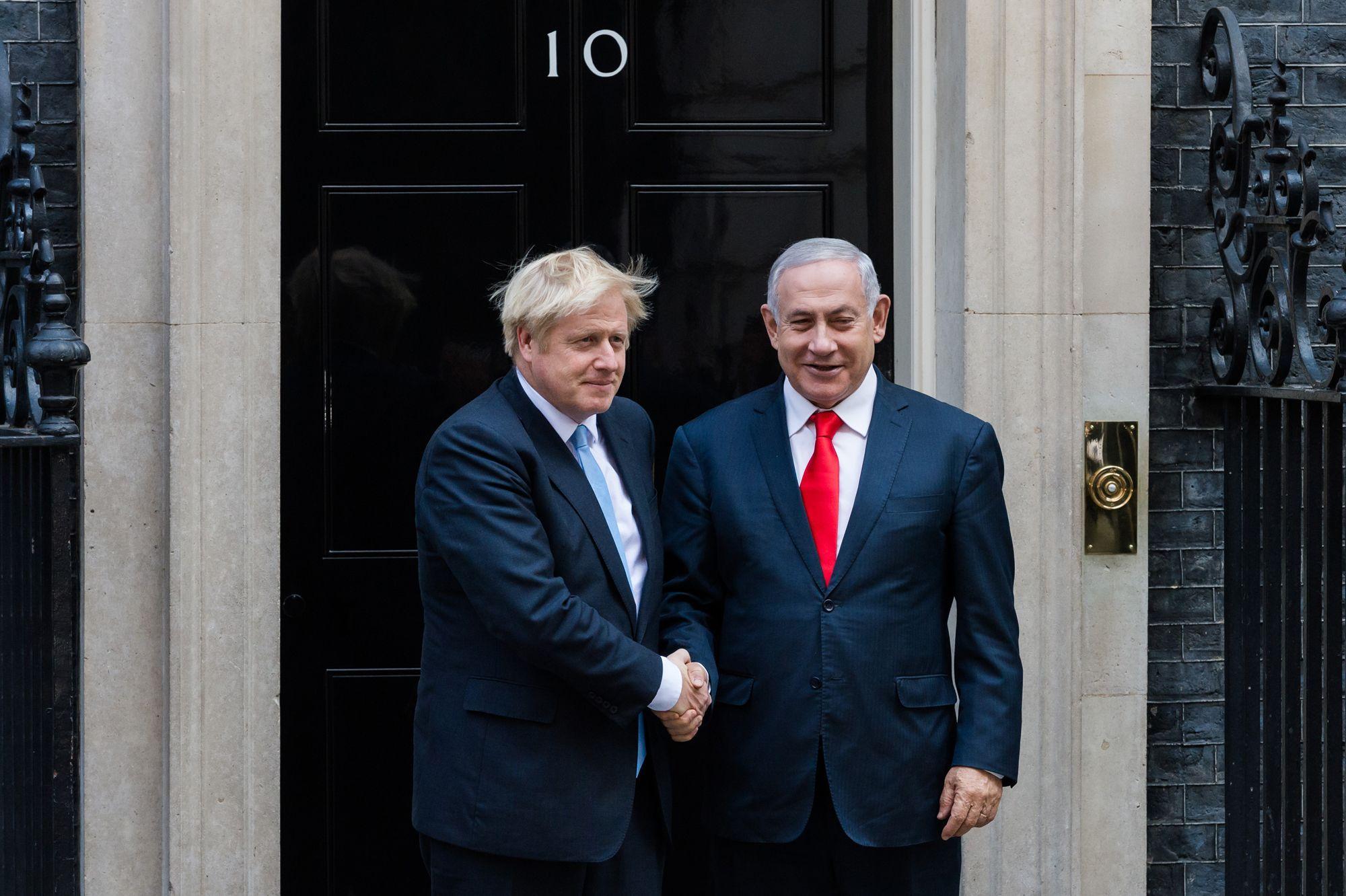 Qui va rester collé(e) à la patate ... Netanyahu-felicite-son-ami-Boris-Johnson-pour-sa-victoire-historique