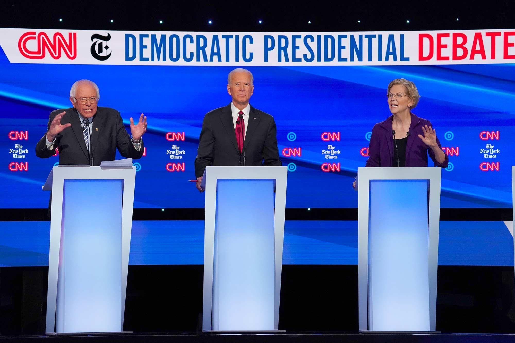 Présidentielle américaine : l'étoile montante Elizabeth Warren assaillie par ses rivaux démocrates