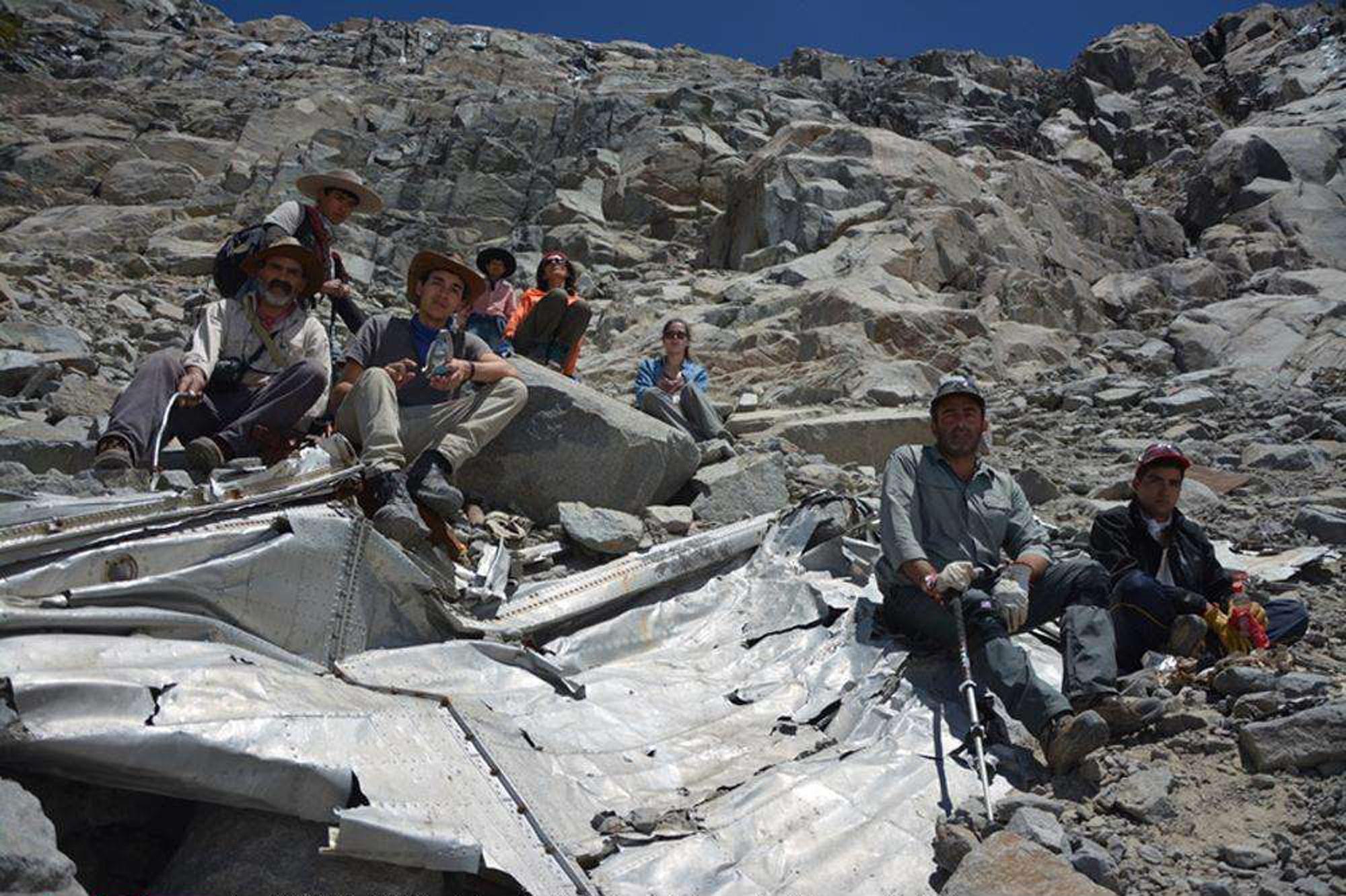 53 Ans Plus Tard Un Avion Accidente Retrouve Dans Les Andes