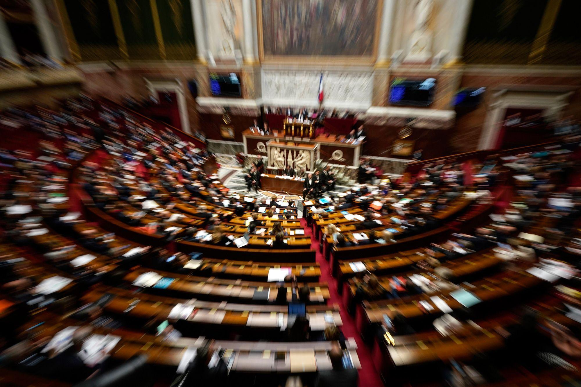 Féminicides : l'Assemblée nationale augmente la réduction d'impôts pour les dons aux associations