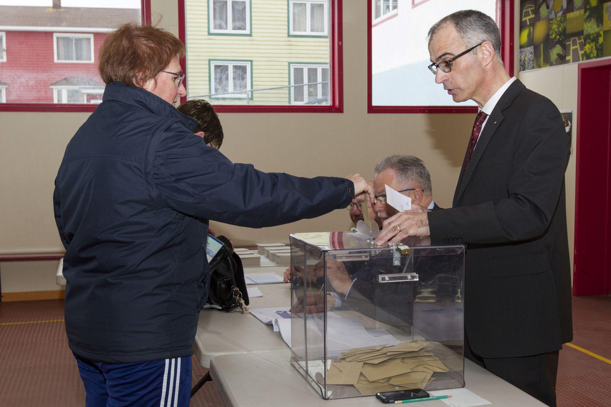 Présidentielle : le vote pour le second tour a débuté en Outre-Mer, la sécurité renforcée