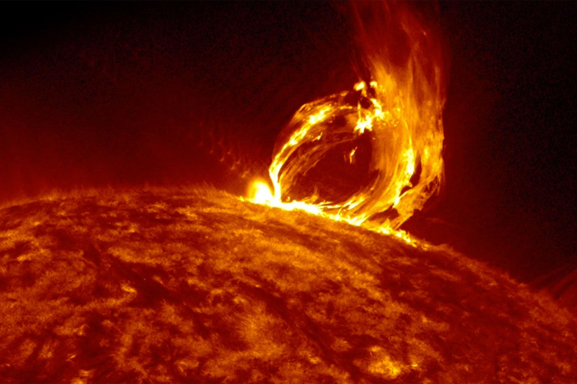 Massive Solar Flare To Hit Earth Today , Brace For Impact !