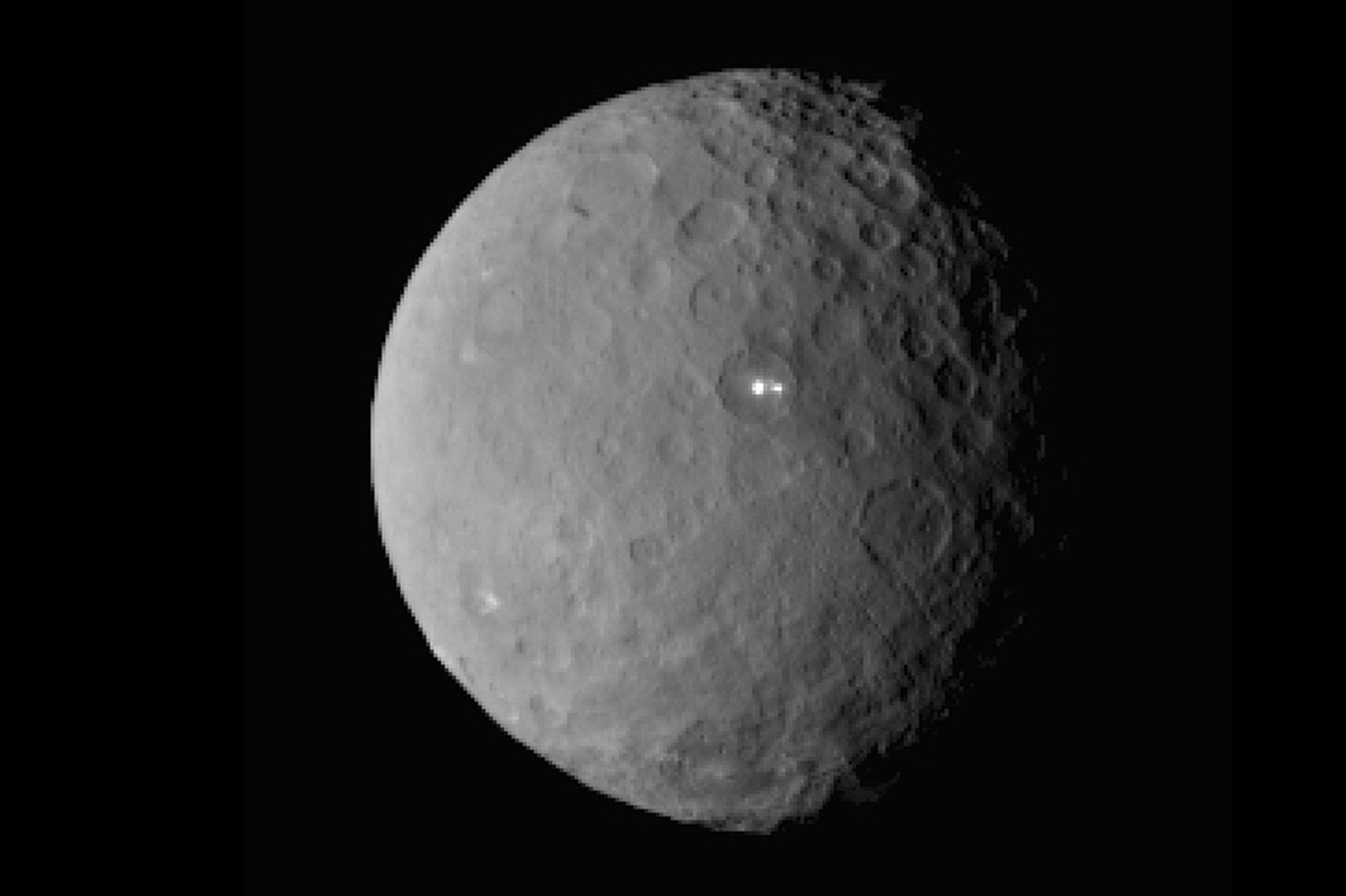 La plus petite planète naine du système solaire - Quand Dawn rencontre Cérès
