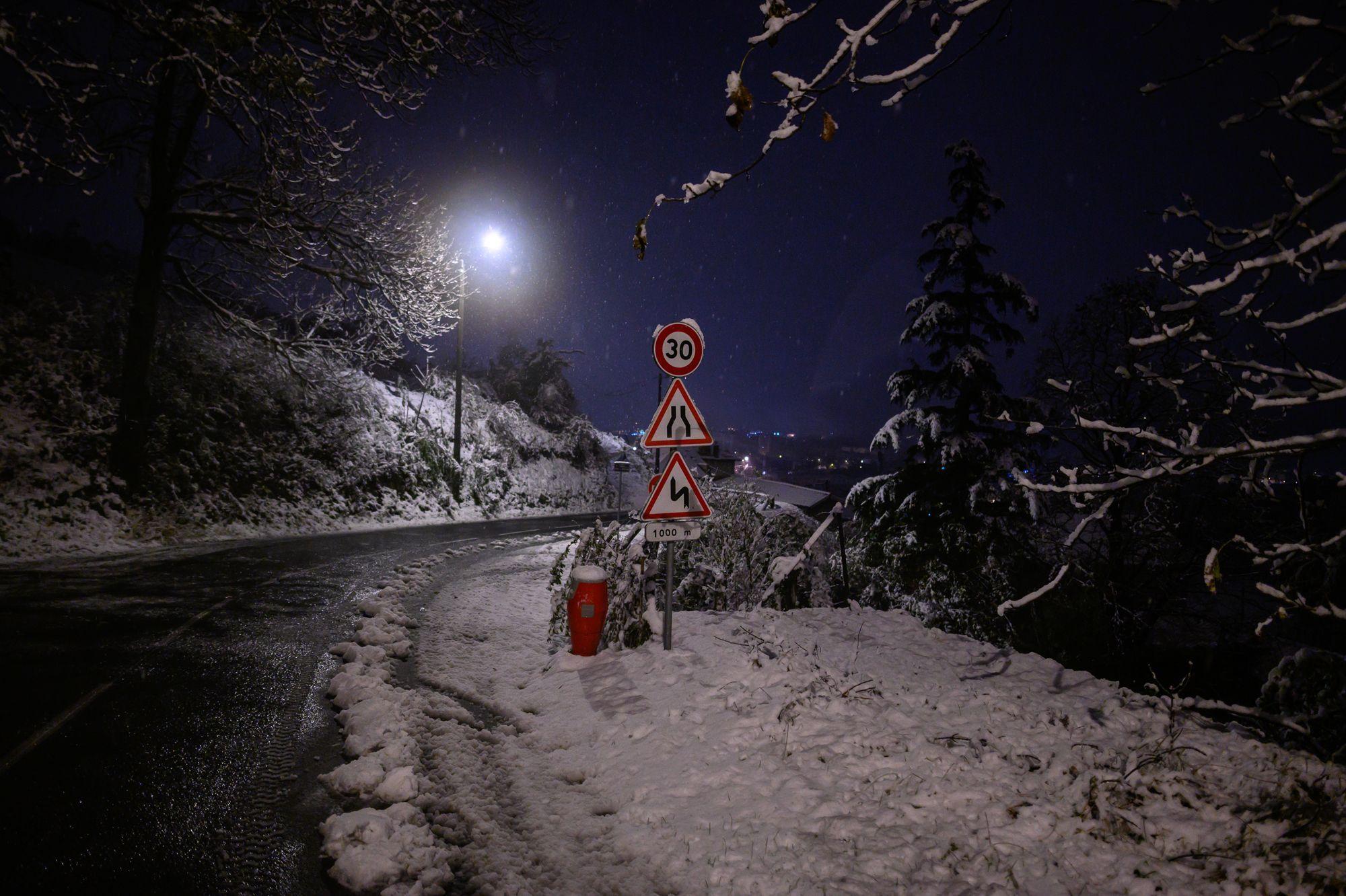 Chutes de neige : drame et pagaille en Auvergne-Rhône-Alpes
