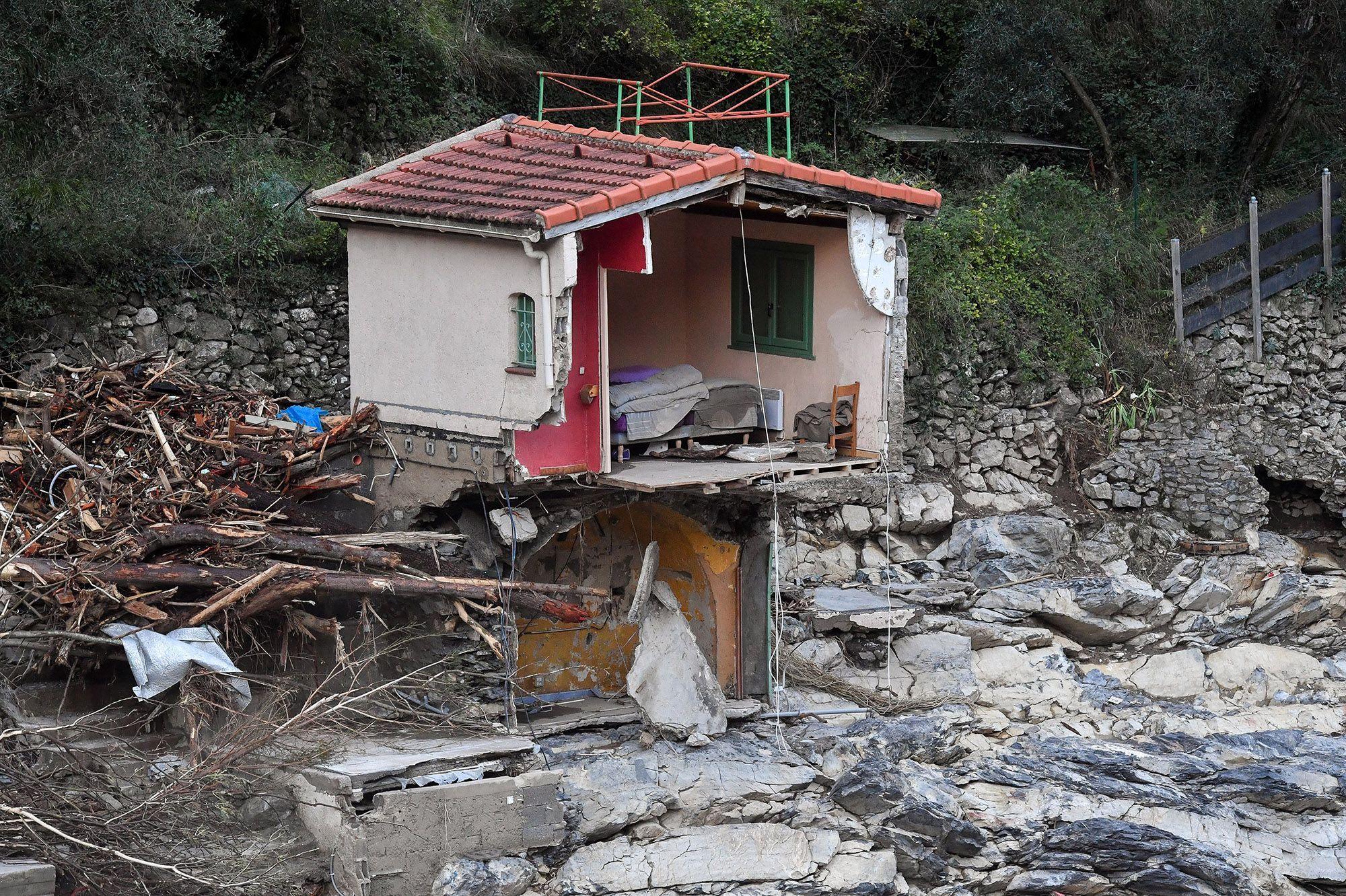 Crues dans les Alpes-Maritimes : le bilan s'alourdit
