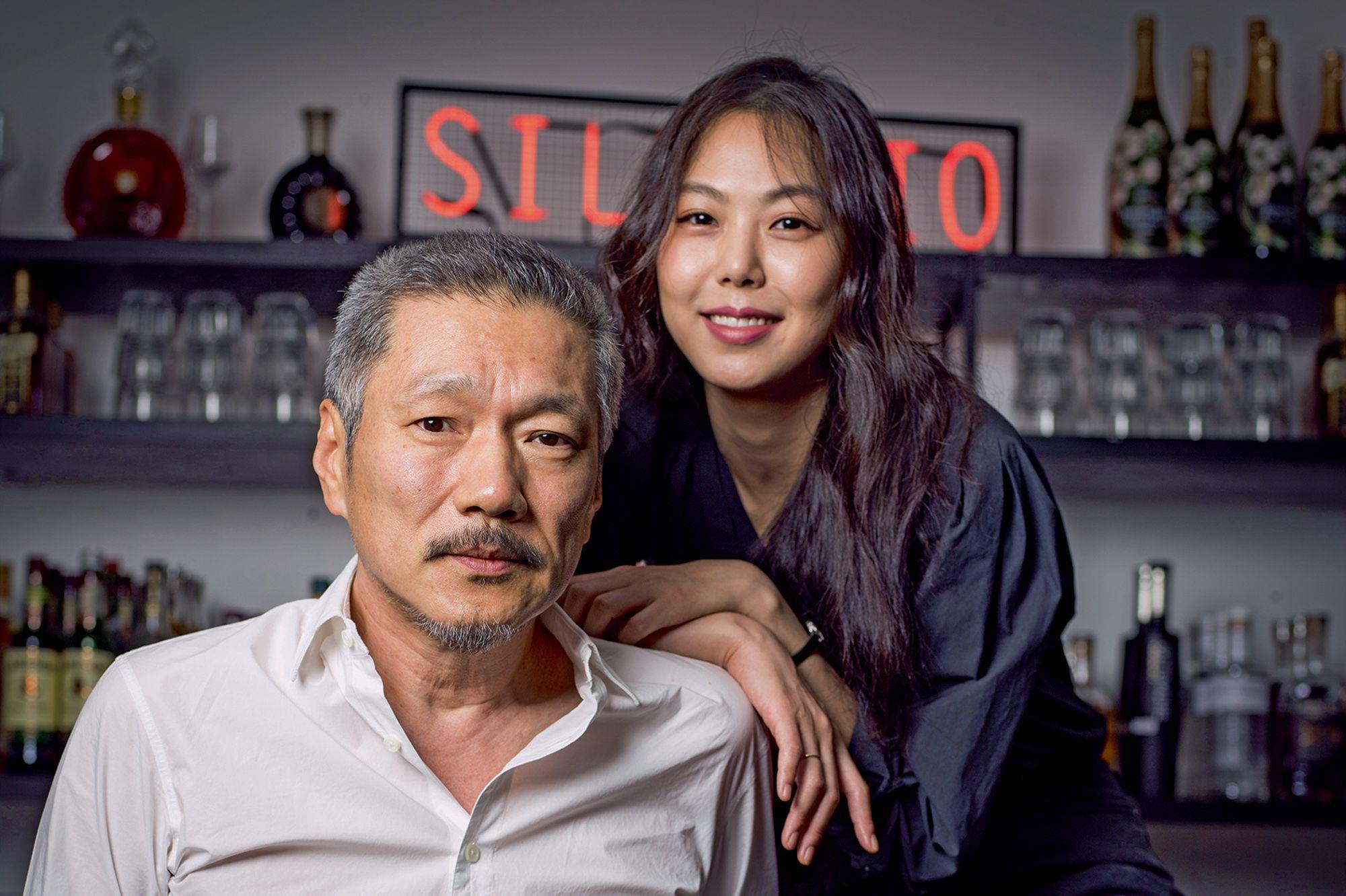 Hong Sang-Soo et Kim Minhee, en couple actuellement