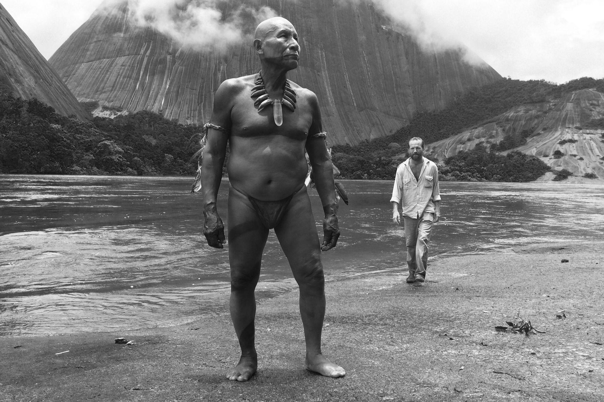 """<p>Un film de Ciro Guerra</p>""""L'étreinte du serpent"""": Voyage au bout de l'enfer vert"""