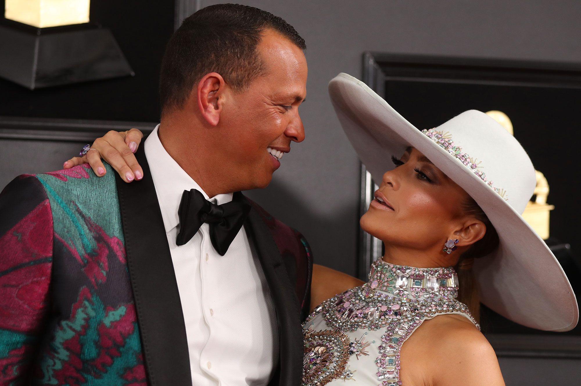 Jennifer Lopez dévoile des photos de la demande en mariage
