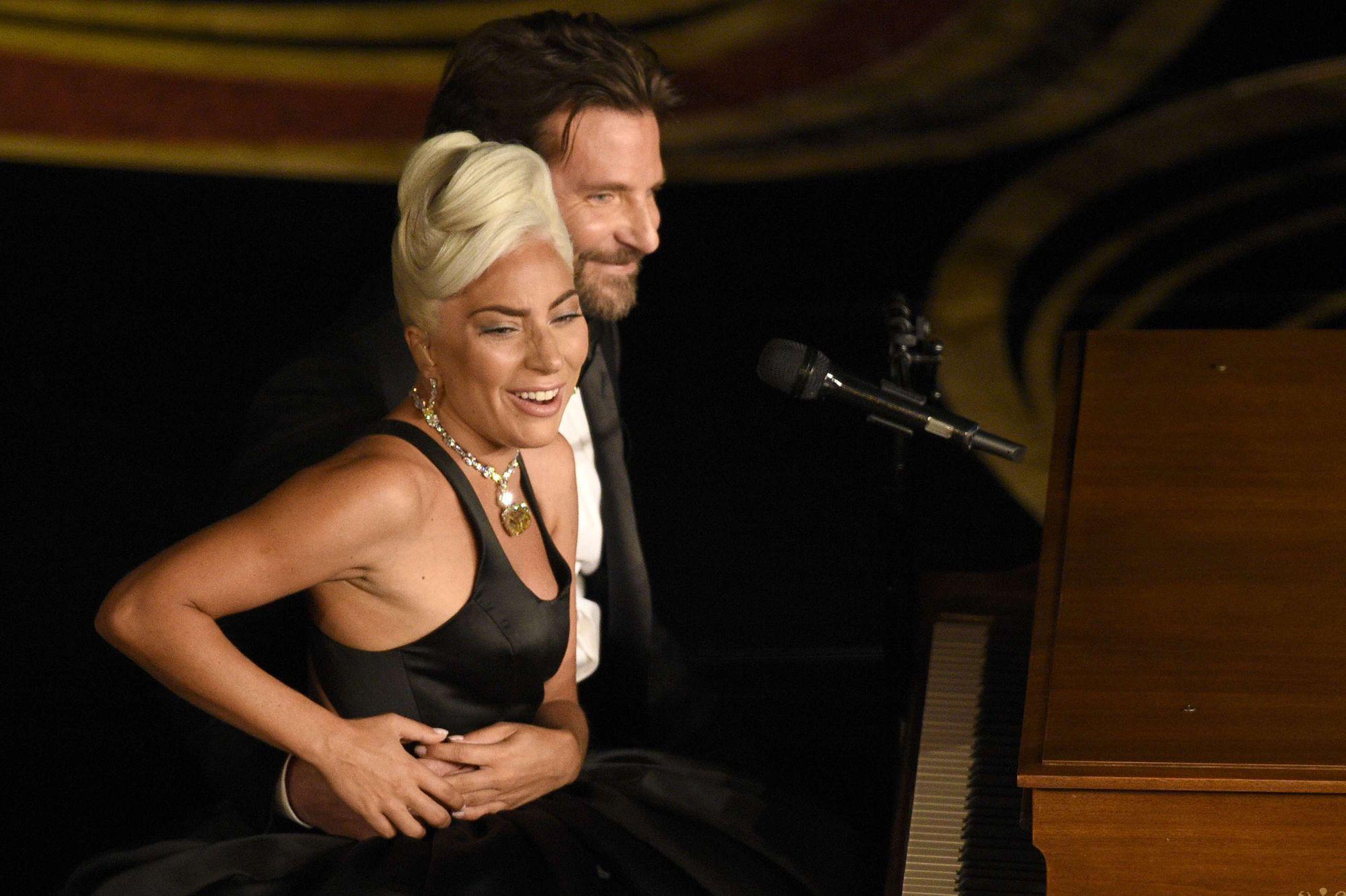 Lady Gaga réagit à la rumeur d'une romance avec Bradley Cooper