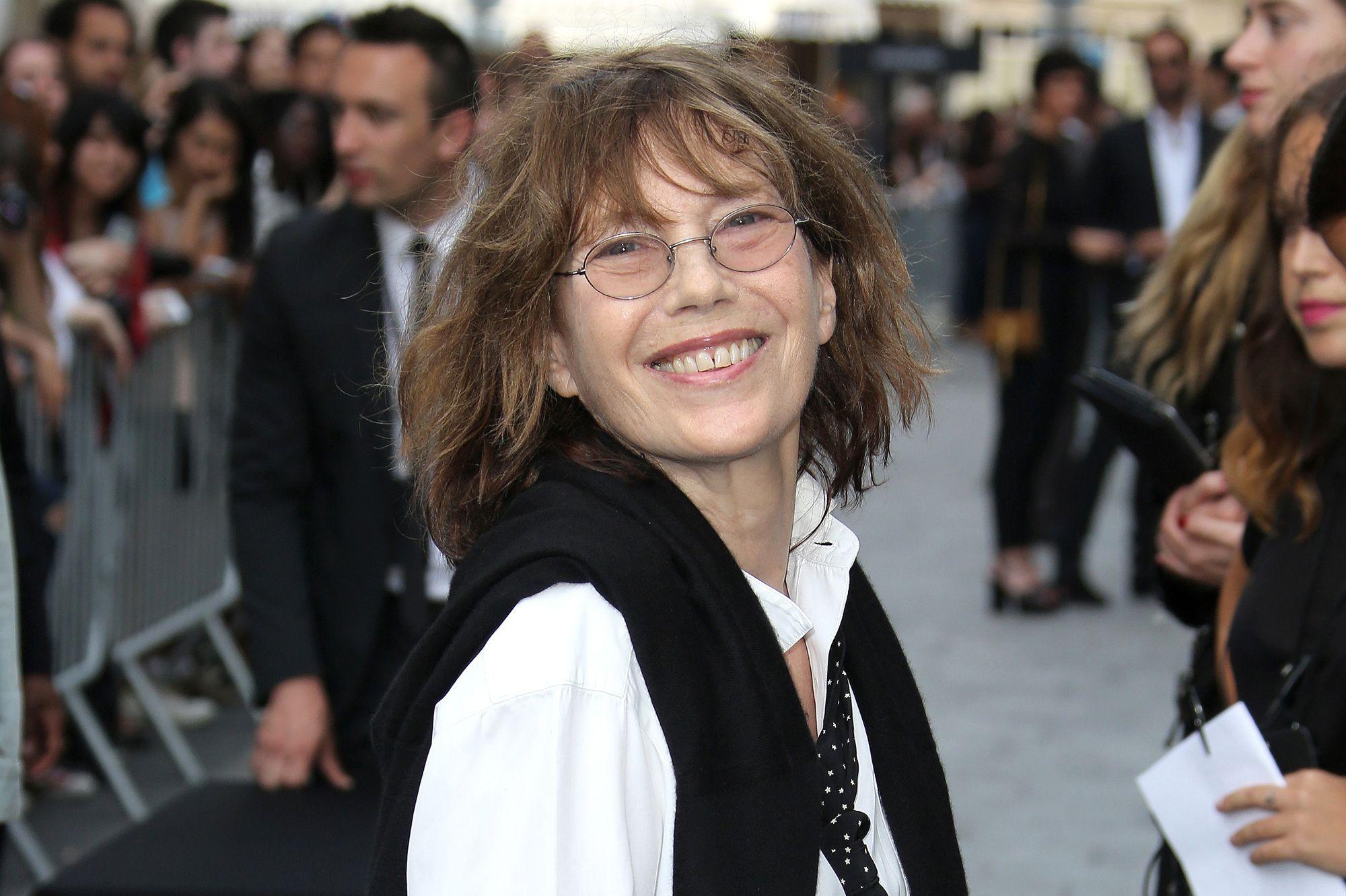 bbc6d2c38eab La maison répond à l actrice scandalisée - Jane Birkin renie le sac Hermès  à son nom
