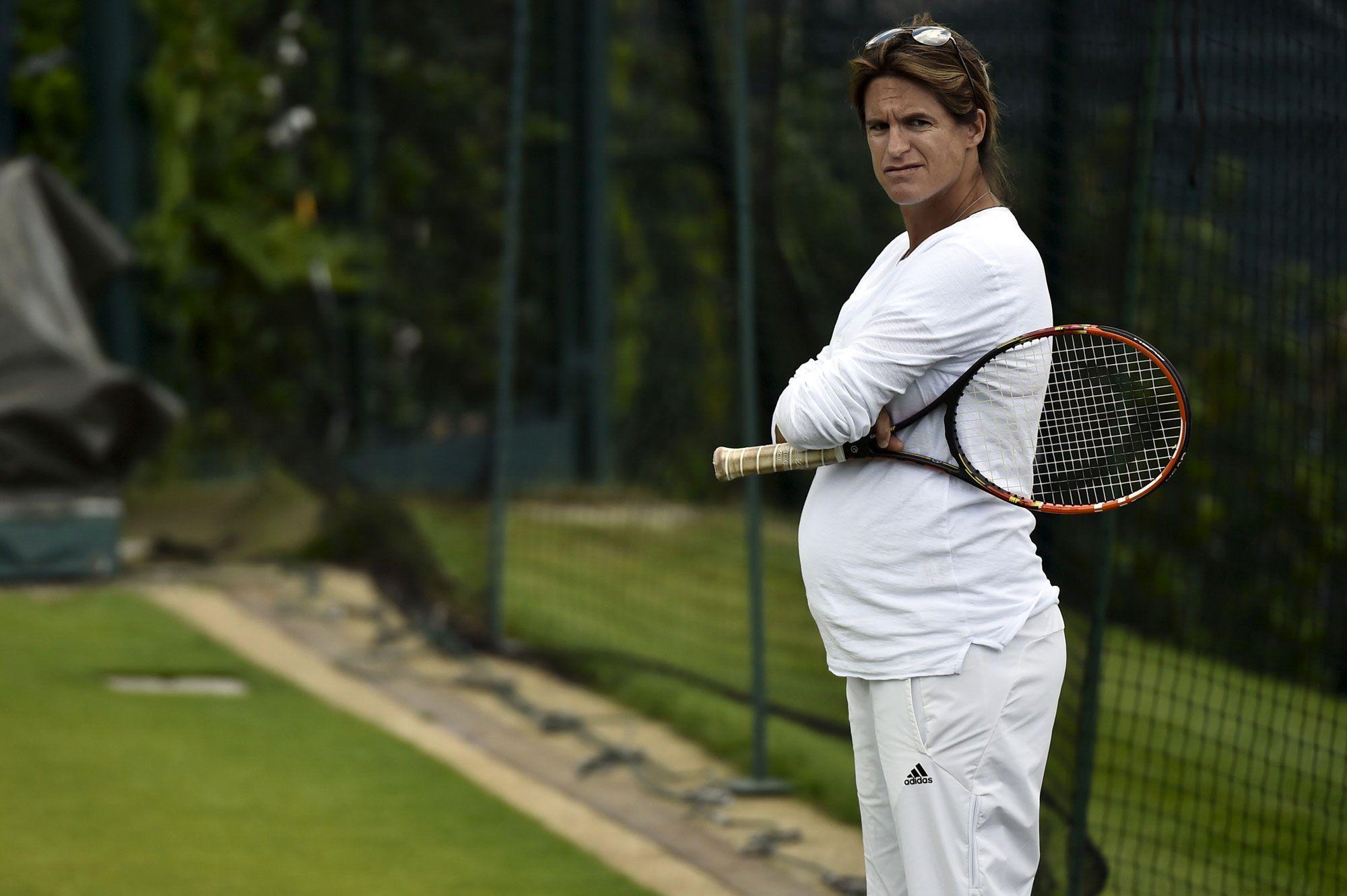 La championne a accouché Amélie Mauresmo est maman