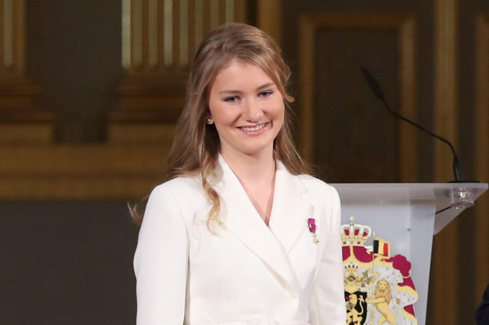 La princesse Elisabeth rayonnante sur les photos de ses 18 ans en famille