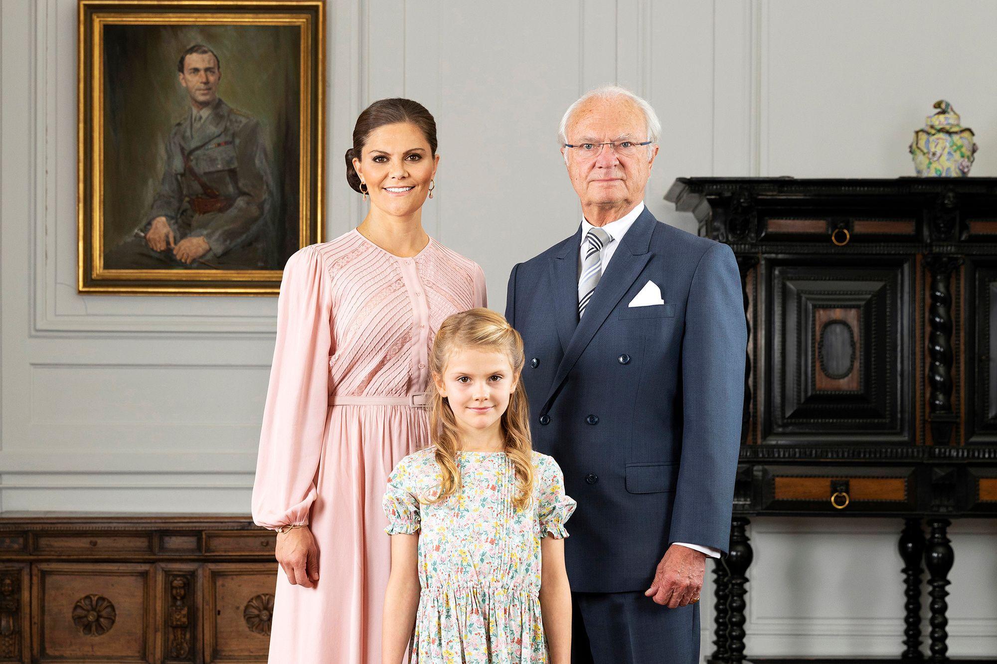 La Maison De La Suede le roi carl xvi gustaf de suède exclut cinq de ses sept