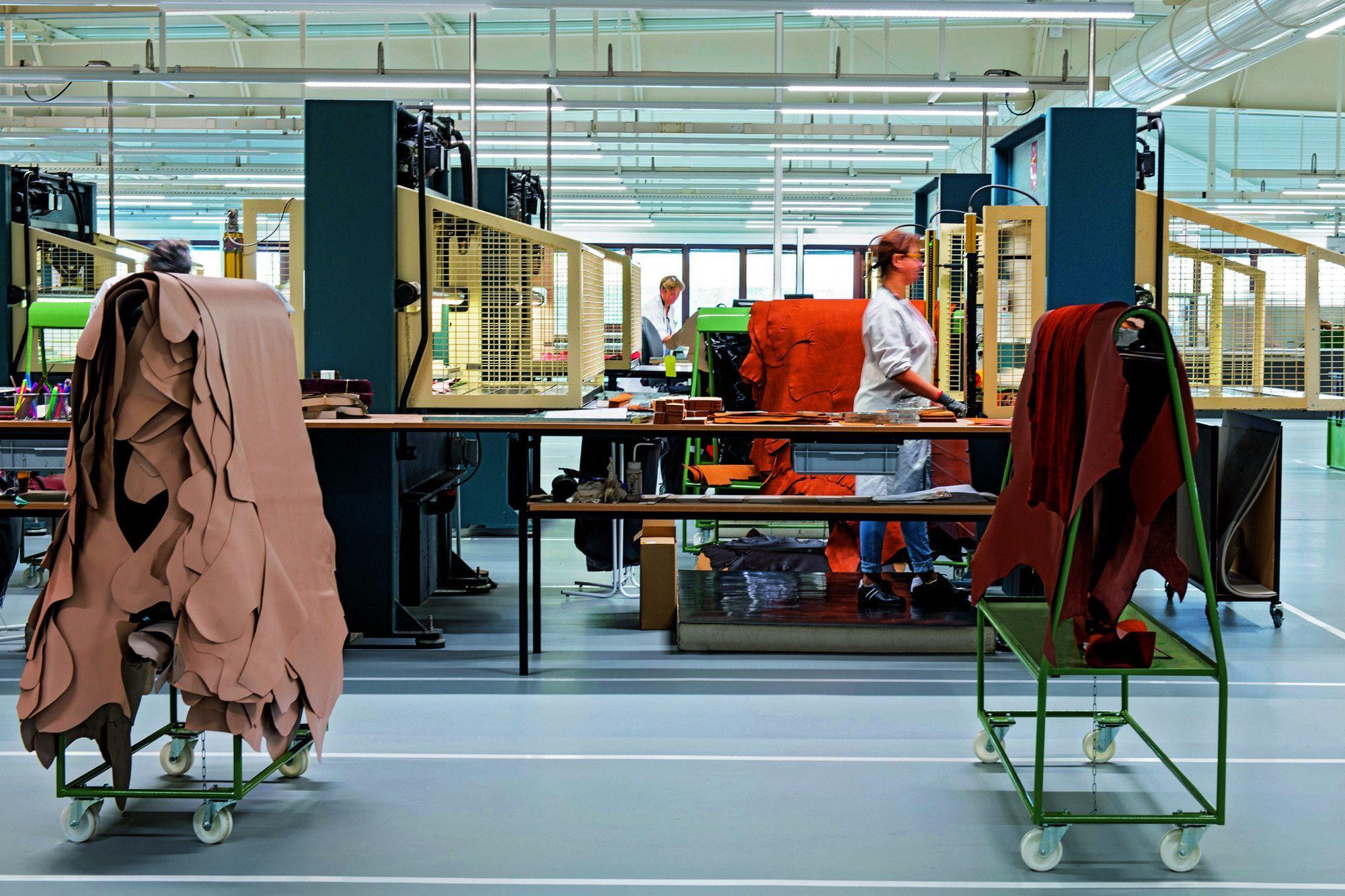 Longchamp : La maroquinerie fait ses classes.
