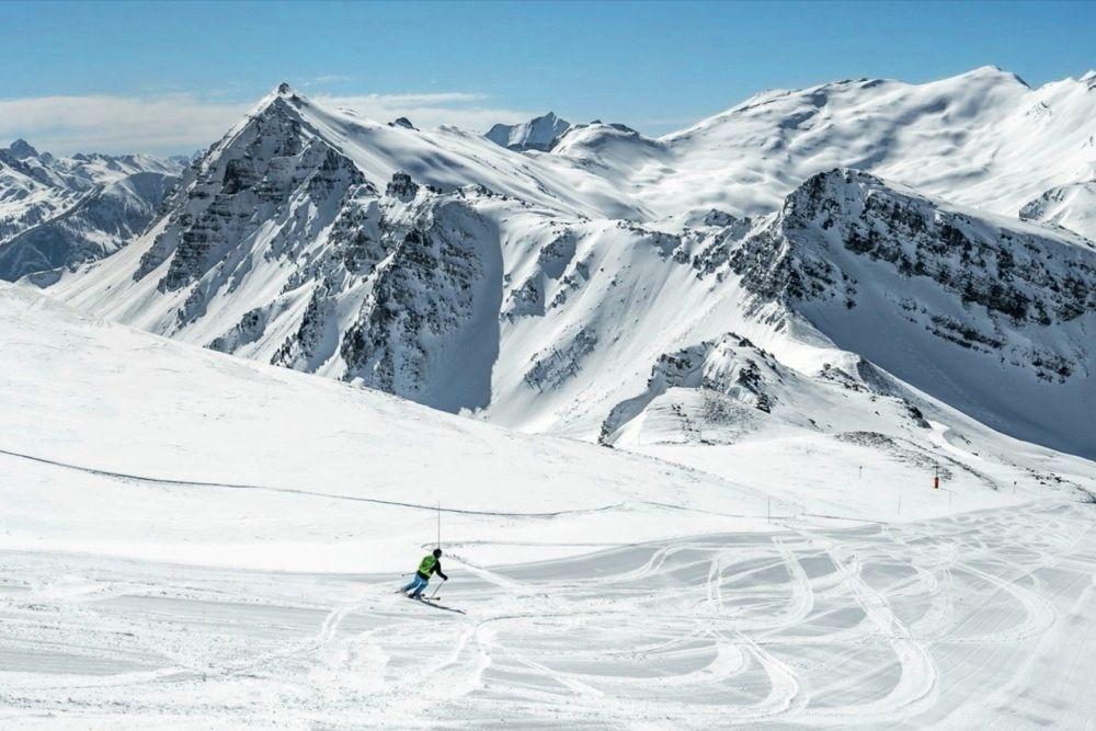 La montagne loin des skis!