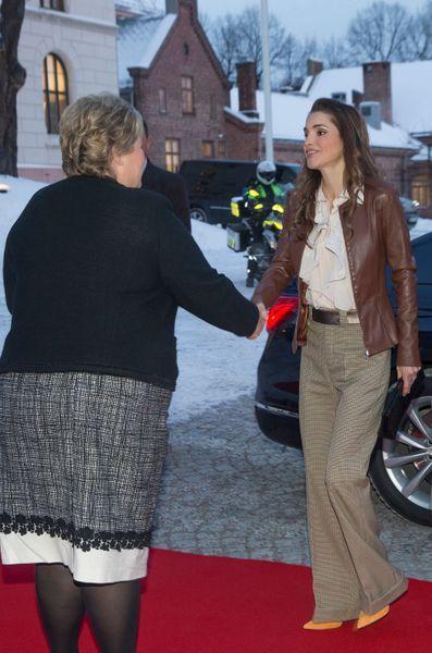 La-reine-Rania-de-Jordanie-a-Oslo-le-14-janvier-2016.jpg