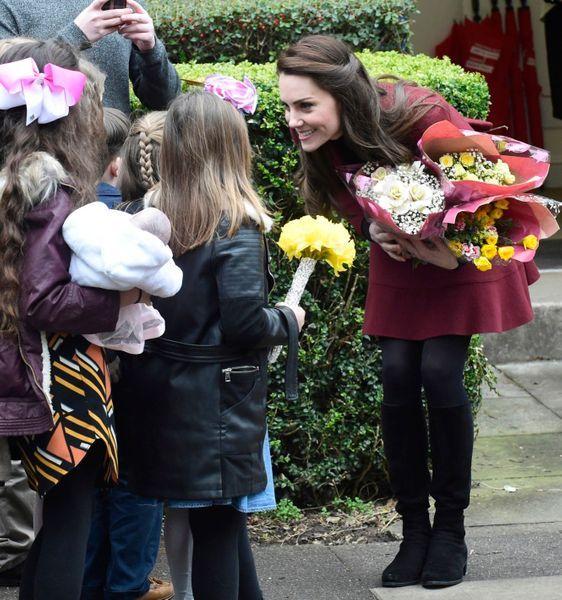 Kate-Middleton-En-Visite-Au-Centre-MIST-16.jpg