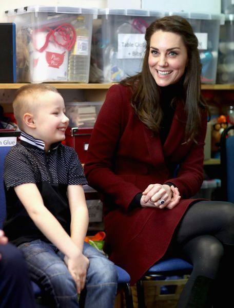 Kate-Middleton-En-Visite-Au-Centre-MIST-26.jpg