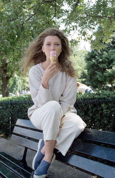 Cécile Bois Jeune Photos 1995 Angélique Marquise Des Anges 8