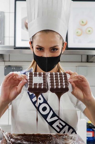 Les Miss prennent des cours de cuisine