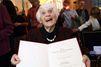 A 102 ans, elle reçoit enfin son doctorat