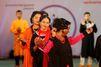 Au Bangladesh, un défilé de mode pour des victimes d'attaques à l'acide