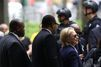 Coup de chaud en pleine cérémonie pour Hillary Clinton
