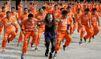 L'hommage des prisonniers phillipins au Roi de la pop