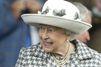Pas d'inquiétude pour l'œil rouge d'Elizabeth II