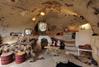 Une caverne transformée en résidence secondaire