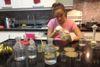 A 16 ans, elle crée du plastique avec des peaux bananes