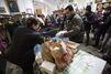 Au Vatican, McDonald's distribue des repas aux SDF