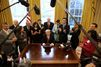 Un juge fédéral bloque le décret migratoire, la Maison Blanche veut répliquer