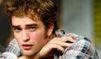 Jeune, Robert Pattinson se faisait frapper.