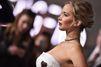 """Jennifer Lawrence, atout coeur sur le tapis rouge de """"Passengers"""""""