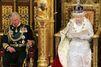 Elizabeth se retire peu à peu, et Charles devient «vice-roi»