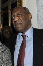 Bill Cosby soutenu par sa femme dans la tempête
