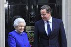 La reine ronronne et Cameron craque