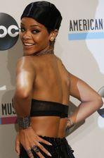 Bruno Mars et Rihanna piratés plus de 5 millions de fois en 2013