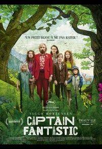 """Viggo Mortensen et la joyeuse troupe de """"Captain Fantastic""""."""