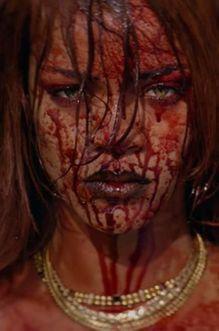 Sexy et tordue, Rihanna repousse les limites