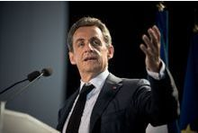 Sur Twitter, Sarkozy répond... même à son fils