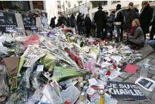 Hollande promet soutien et vérité aux proches des victimes